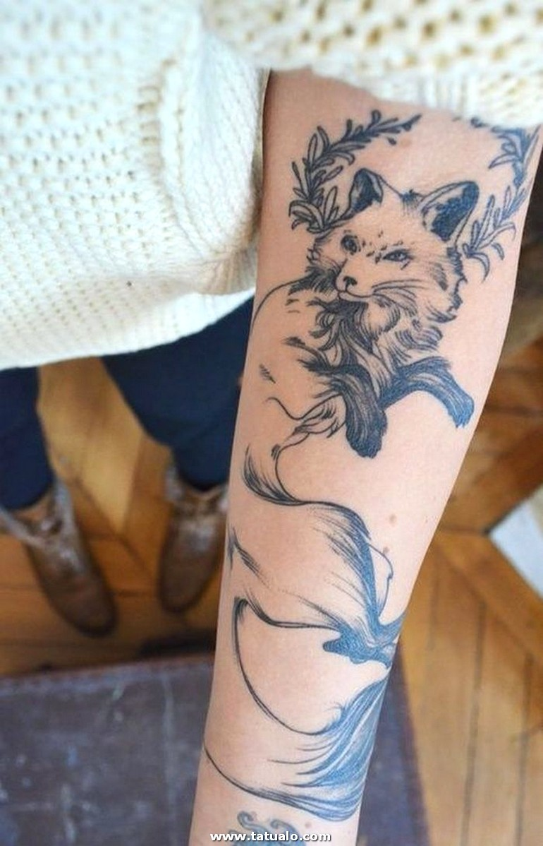 Wolf Tattoo Designs For Women 50