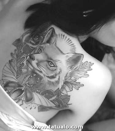 Wolf Tattoo Designs Women Back