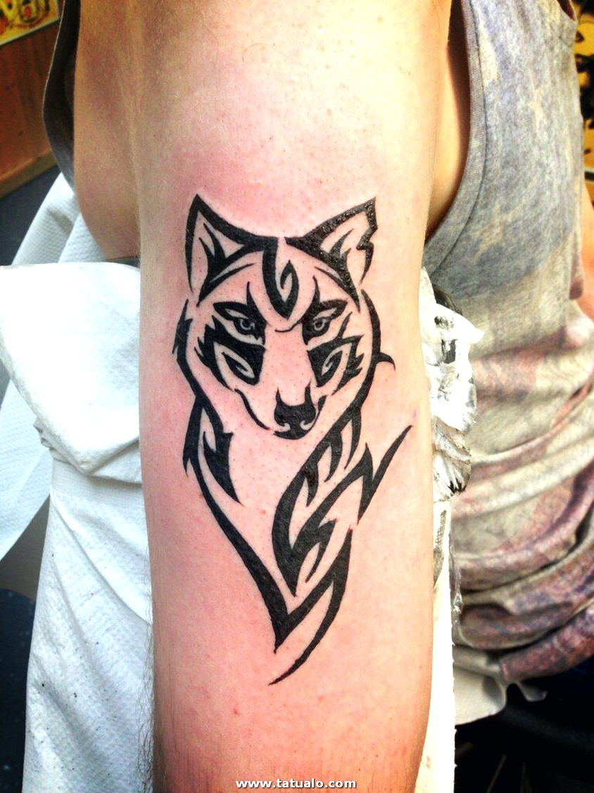 Wolf Tattoos 13
