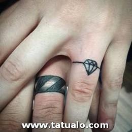Tatuajes De Parejas Con Anillos 5